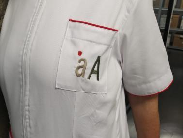 Enfermera analiza