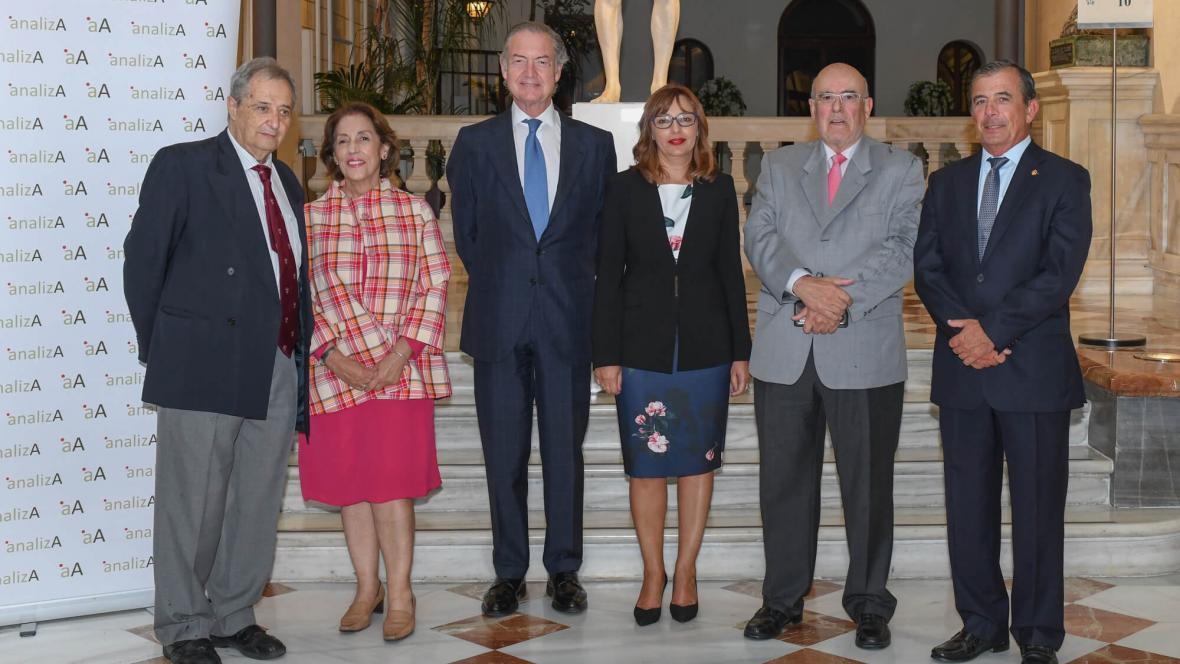 La sociedad de diagnóstico Analiza potencia la unidad de anatomía patológica de HLA La Vega